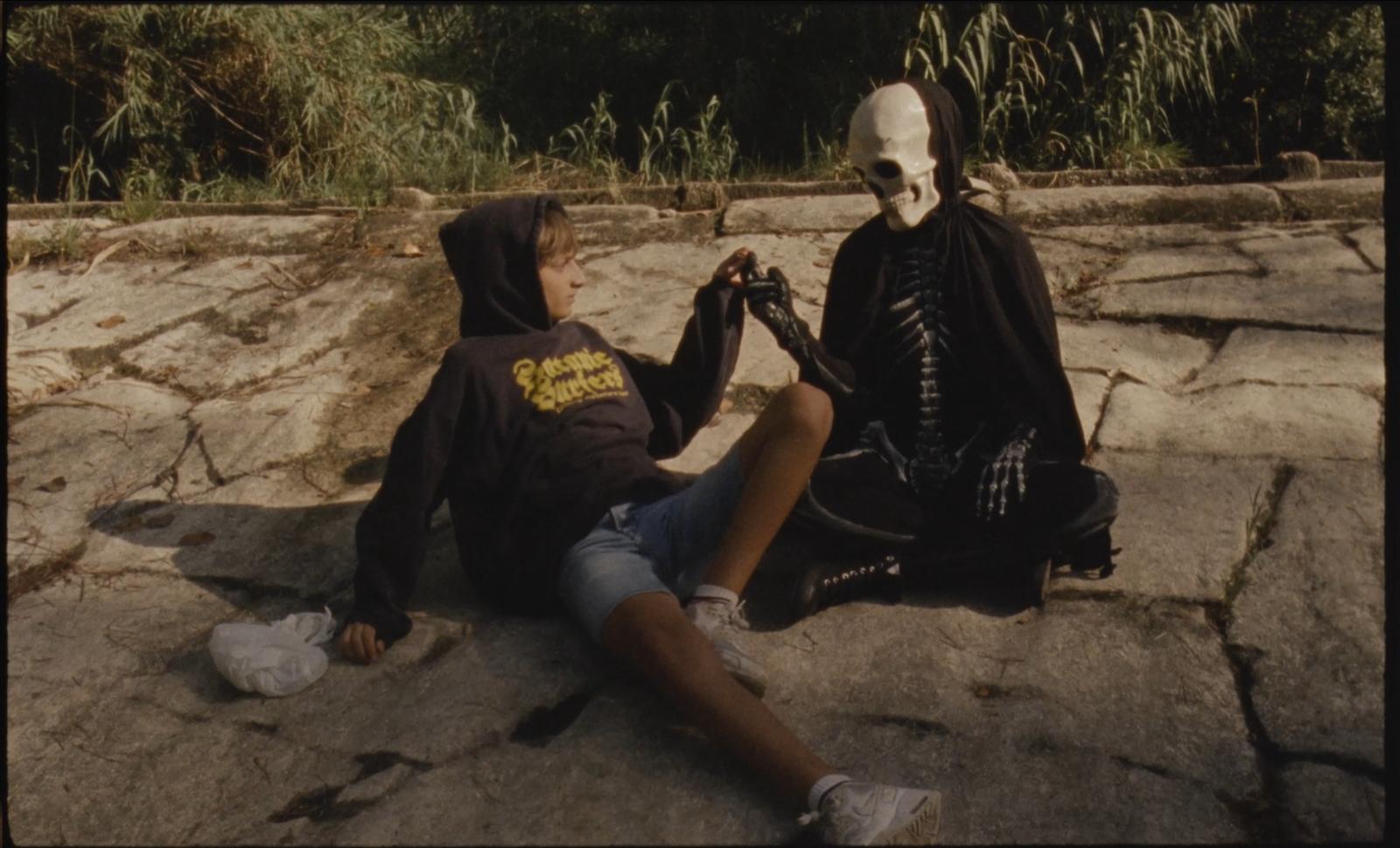 Hacerse el muerto (Playing Dead)
