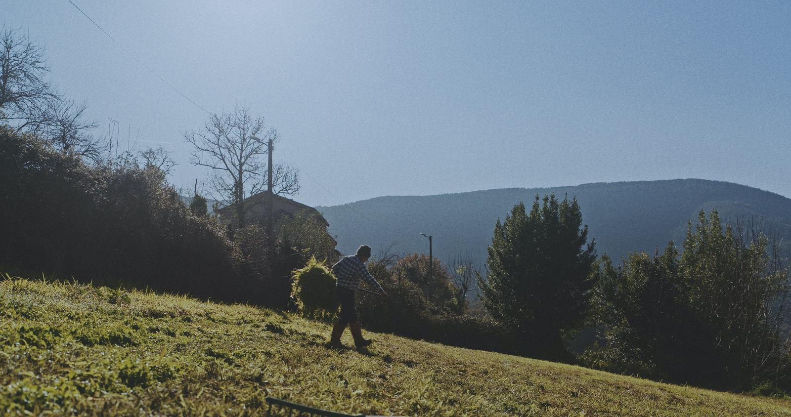 Persoa, Pobo, Paisaxe (Person, Village, Landscape)